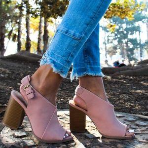 🆕//The Ariel// blush vegan leather heel